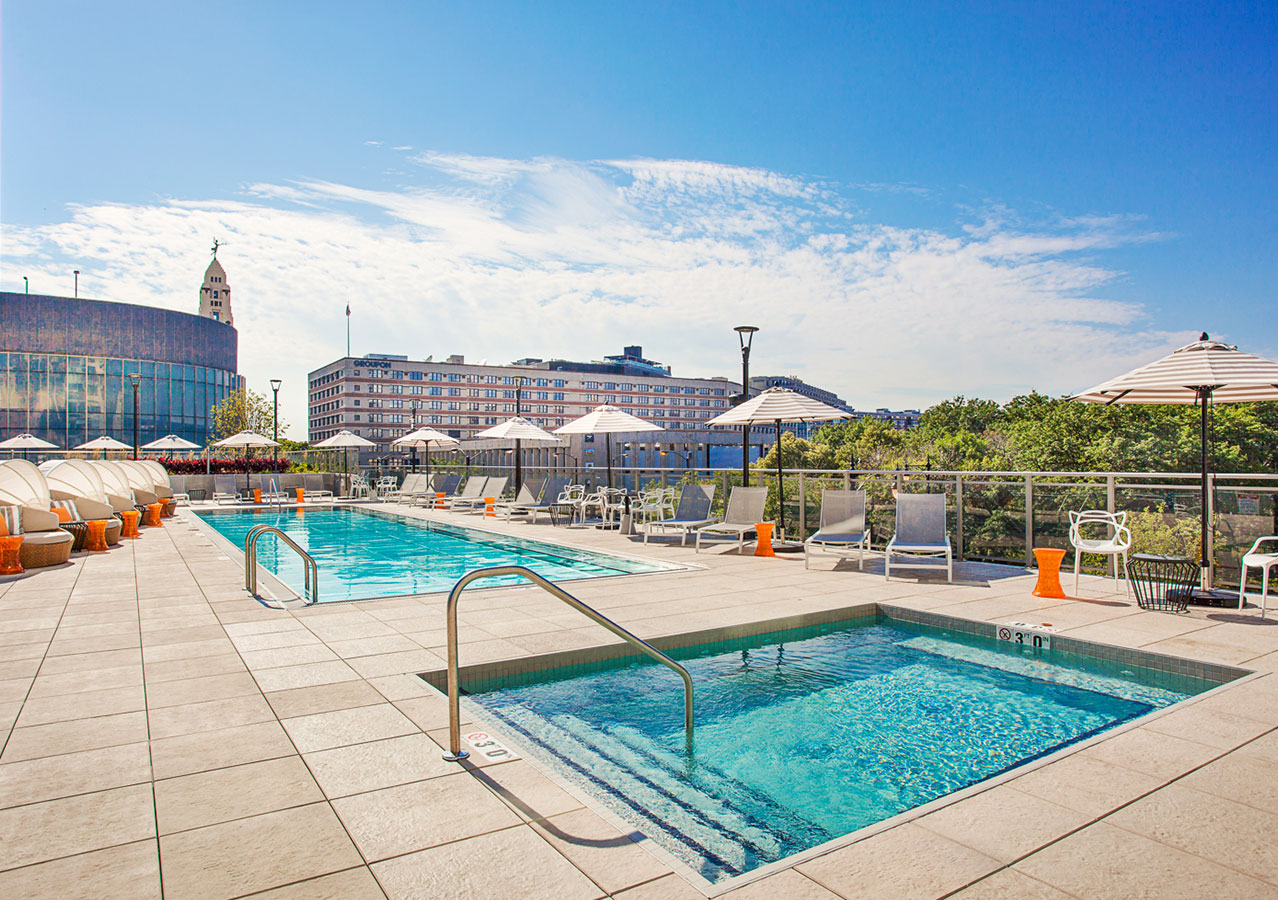 Outdoor pool and hot tub at The Hudson Chicago