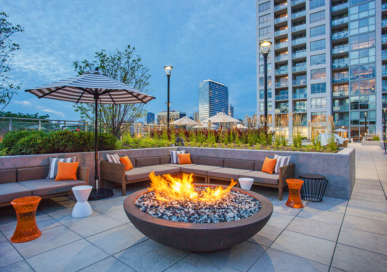 The Hudson amenities including outdoor hot tubs, lounge chairs, outdoor kitchen and more